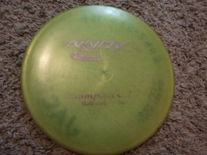 The first version of Innova's Cobra made in Champion plastic. Very different from the original Cobra mold, and in the author's viewpoint the perfect flat/turnover midrange disc. Photo by Jack Trageser